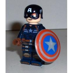 Capitán América con casco y...